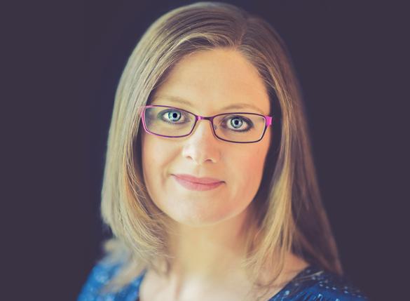 Emma Duder headshot